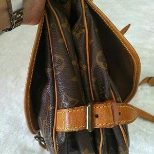Louis Vuitton Bags - Louis Vitton  Saumur 30 Cross Body Bag